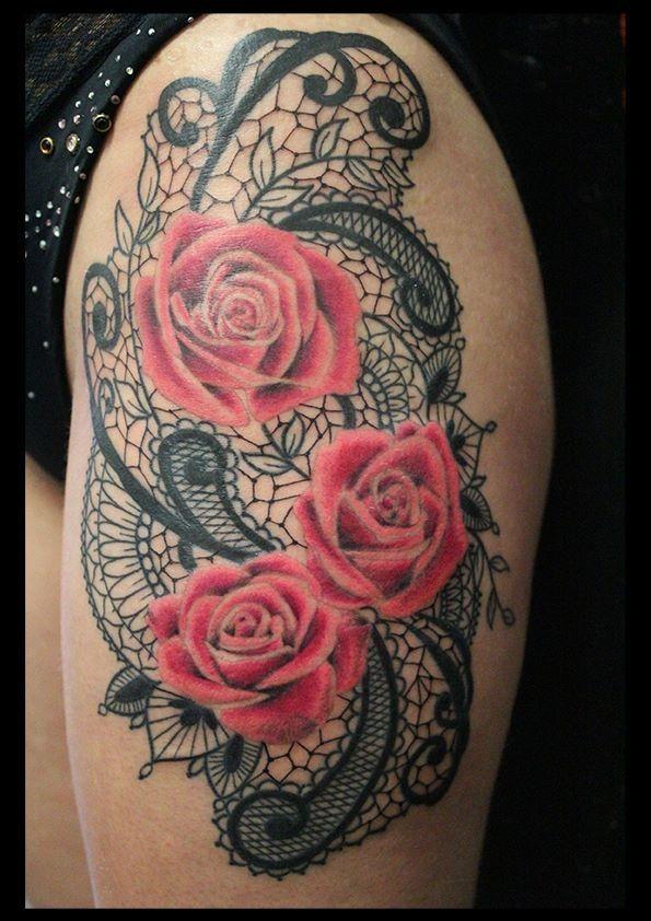 Magnique tatouage rose fleur sur dentelle la hanche femme tatouage roses les hanches et hanche - Tatouage rose hanche ...