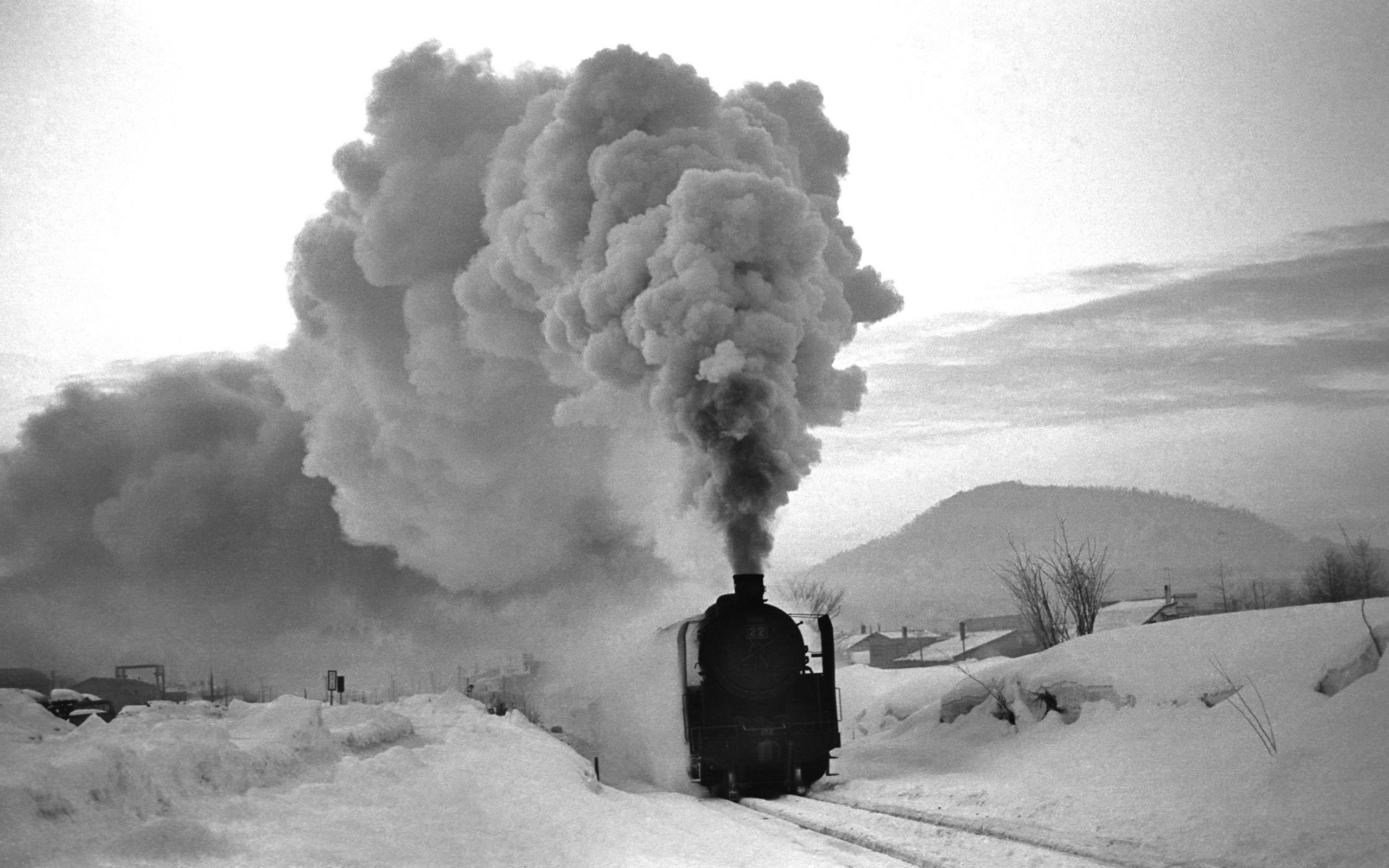 Train in the snow wallpaper
