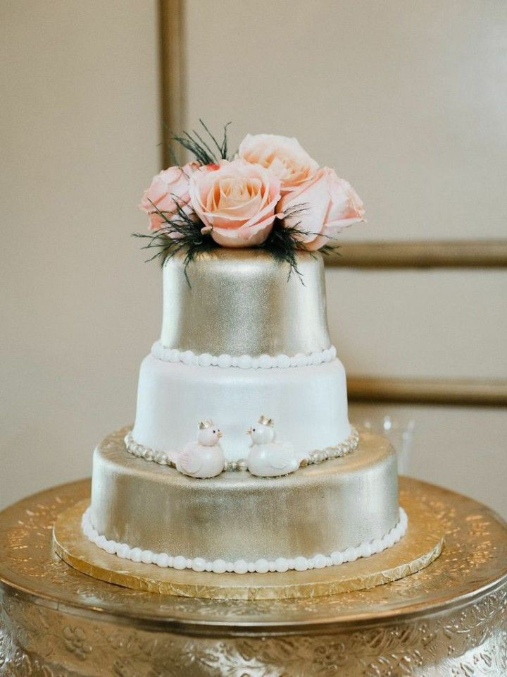 Chic, Old-School Inspired Florida Wedding Captured by Merari Photography - wedding cake idea