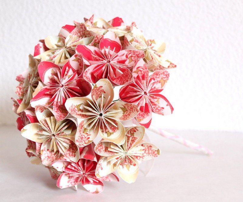 Origami facile 100 animaux fleurs en papier et d co for Bouquet de fleurs origami