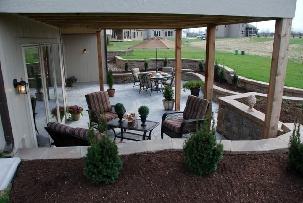 30+ Amazing Backyard Patio Remodel Ideas - TRENDECORA #backyardremodel