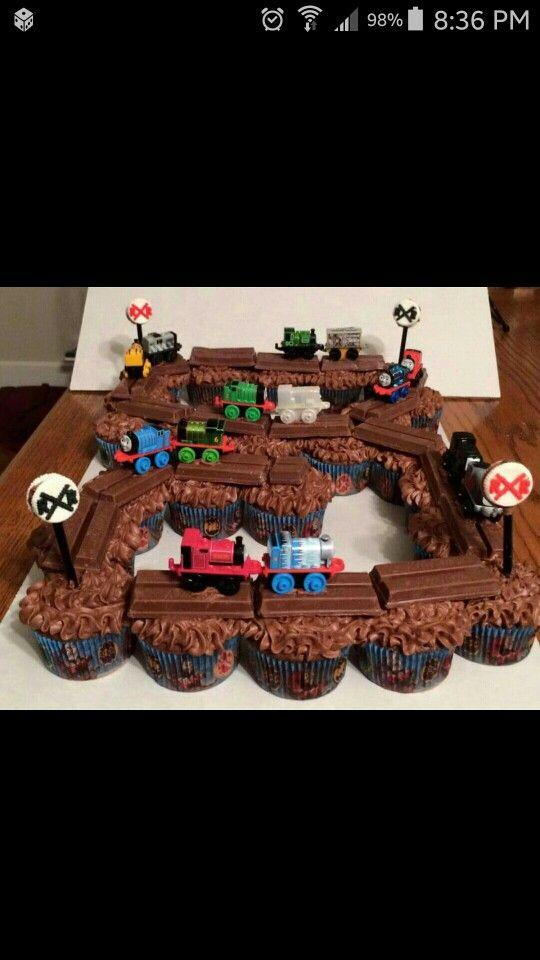 Thomas the Train birthday cakecupcakes So cute train birthday