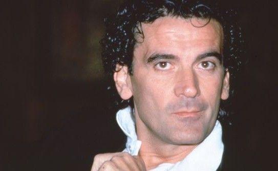 Massimo Troisi (San Giorgio a Cremano, 19 febbraio 1953 - Ostia, 4 giugno 1994)