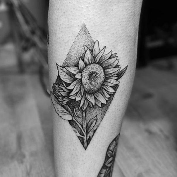 Sunflower Tattoo Geometric Sunflower Tattoo Small Sunflower Tattoo Meaning Sunflower Tattoo Design