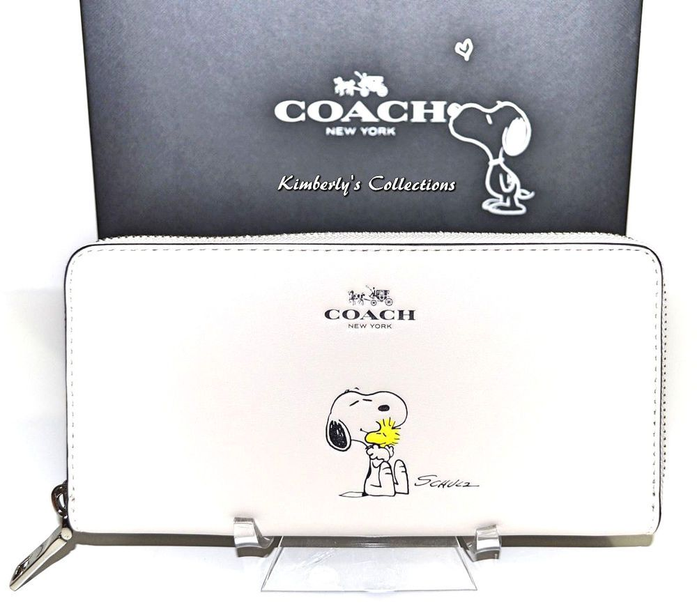 25403c4734 COACH X Peanuts Limited Edition SNOOPY Leather Zip Around White ...