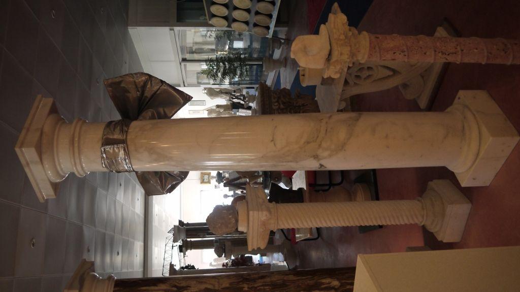 Colonne in marmo - http://achillegrassi.dev.telemar.net/project/colonne-stile-dorico-in-marmo-calacatta-lucido/ - Colonne stile dorico in Marmo Calacatta lucido  Dimensioni:250cm x 40cm x 40cm Ø 30cm
