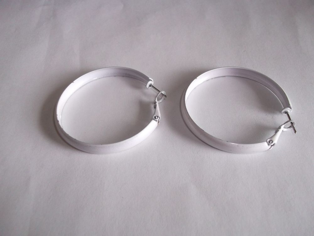 White Enamel Hoop Earrings Lever Fastening Rox 1 2 Silver