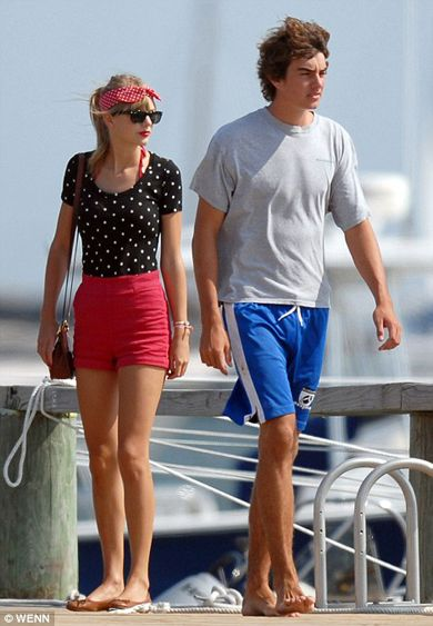 how long has taylor swift been dating conor kennedy