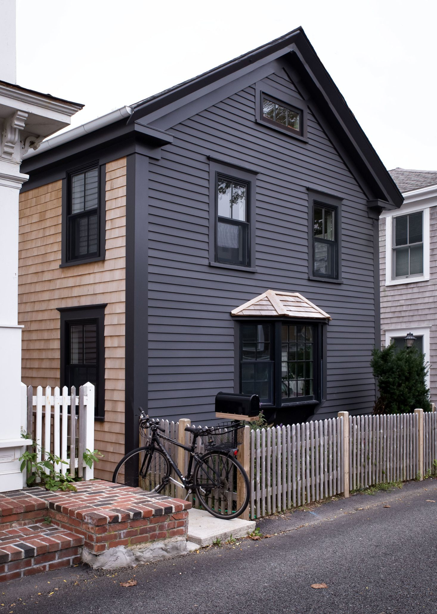 Out At Sea A Shipshape Renovation In Provincetown By Hein Cozzi Remodelista Exterior House Colors House Exterior Clapboard Siding