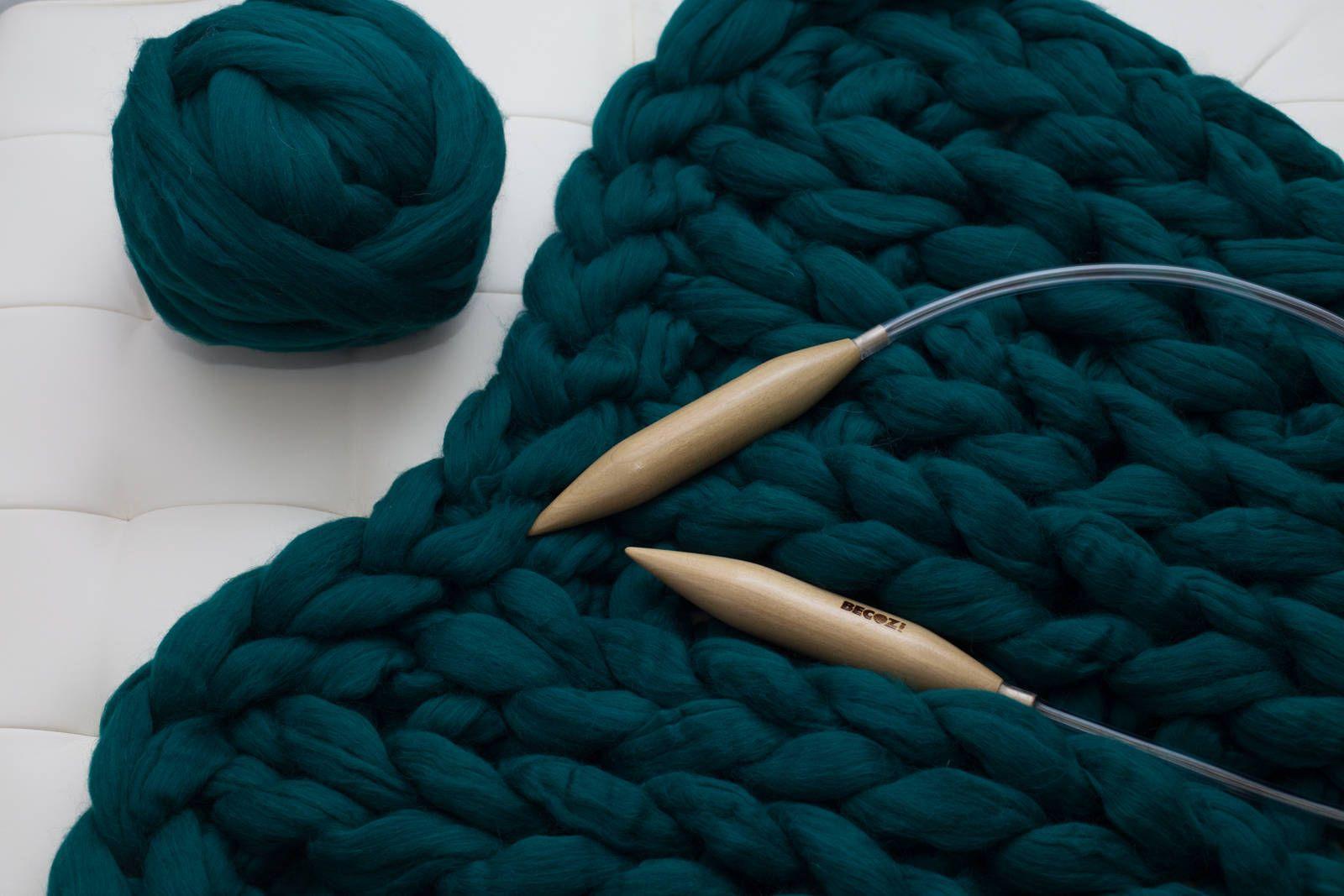 DIY KNIT Kit,30x50, Giant Knitting Needles & Merino Wool