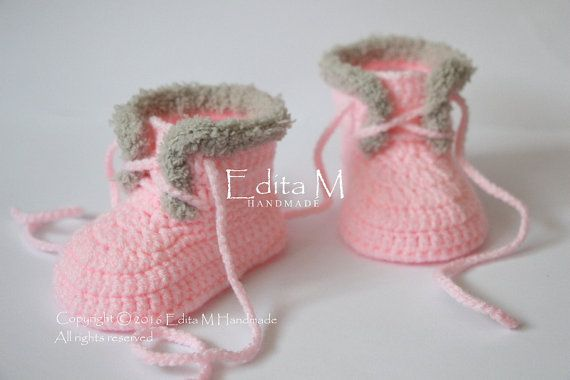Photo of Ähnliche Artikel wie Crochet baby booties, crochet baby shoes, baby girl shoes, boots, sneakers, light tan, pink, gift idea, baby showers gift, cute, fur shoes auf Etsy