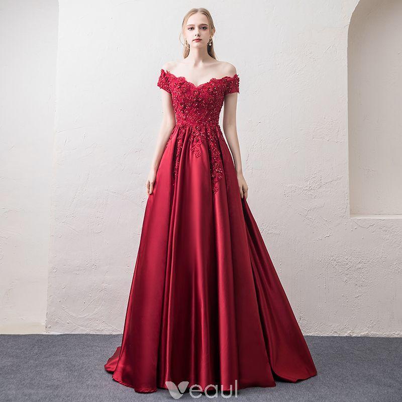e99136b4d0b5 Mode Burgundy Aftonklänningar 2018 Prinsessa V-Hals Korta ärm Appliqués  Spets Beading Rhinestone Svep Tåg Ruffle Halterneck Formella Klänningar