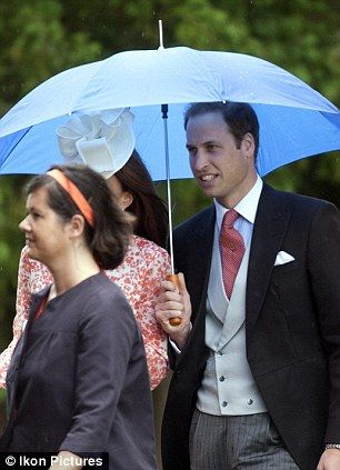 Kate and William arrive at the wedding