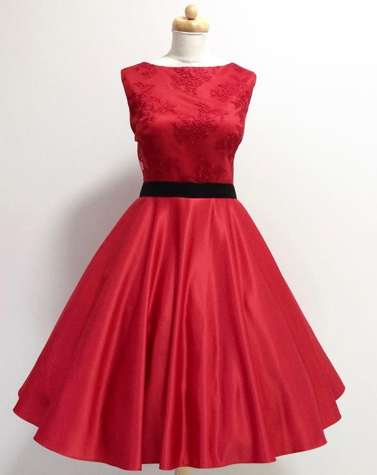 e0bbcacf5bf Retro šaty a sukně z dílny MiaBella Vás budou zdobit na každé společenské  události