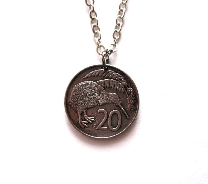 Kiwi Bird Coin Necklace Pendant New Zealand 1985 20 Cents