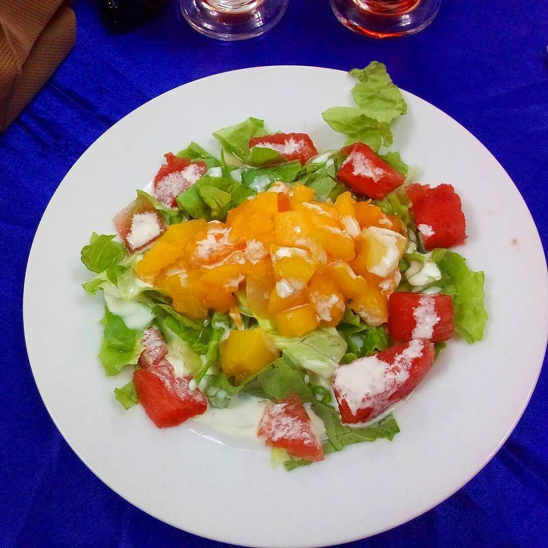 Ensalada de frutas o de verduras? sandía y lechuga? IMPACTADO  #ViajaPE #Barranca by guitarraviajera