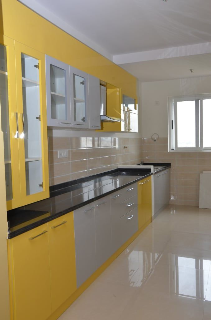 Kitchen Room Interior Design: Parallel Modular Kitchens: Living Room By Scale Inch Pvt