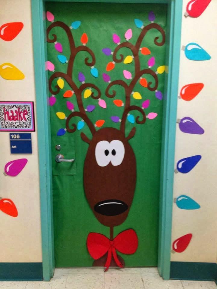 Las navidad es una gran oportunidad para decorar la puerta del aula