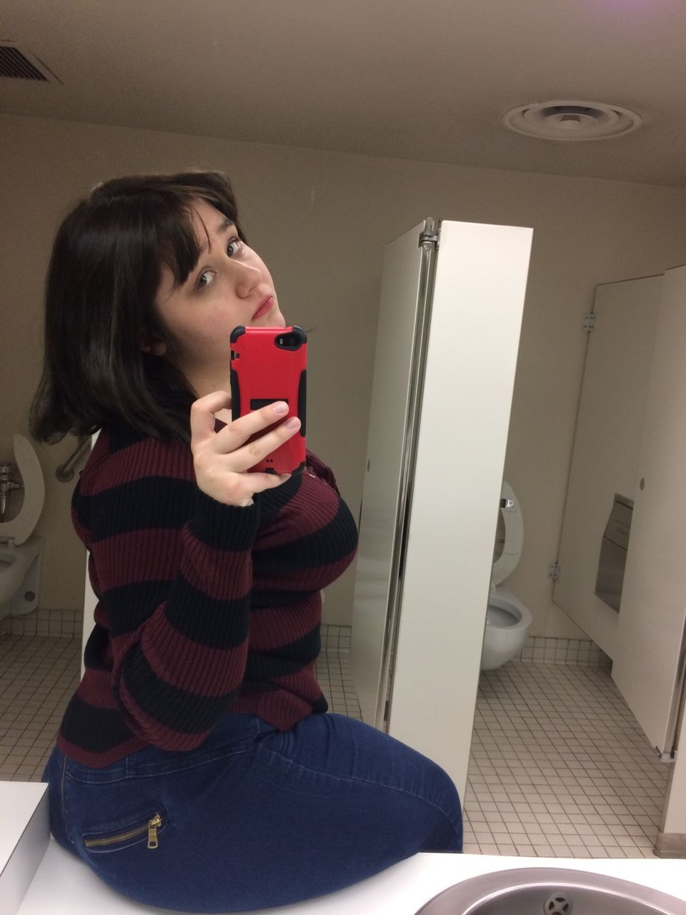 """fizzyglimmer: """"me bein a true Art Hoe in the bathroom of the museum yesterday """""""