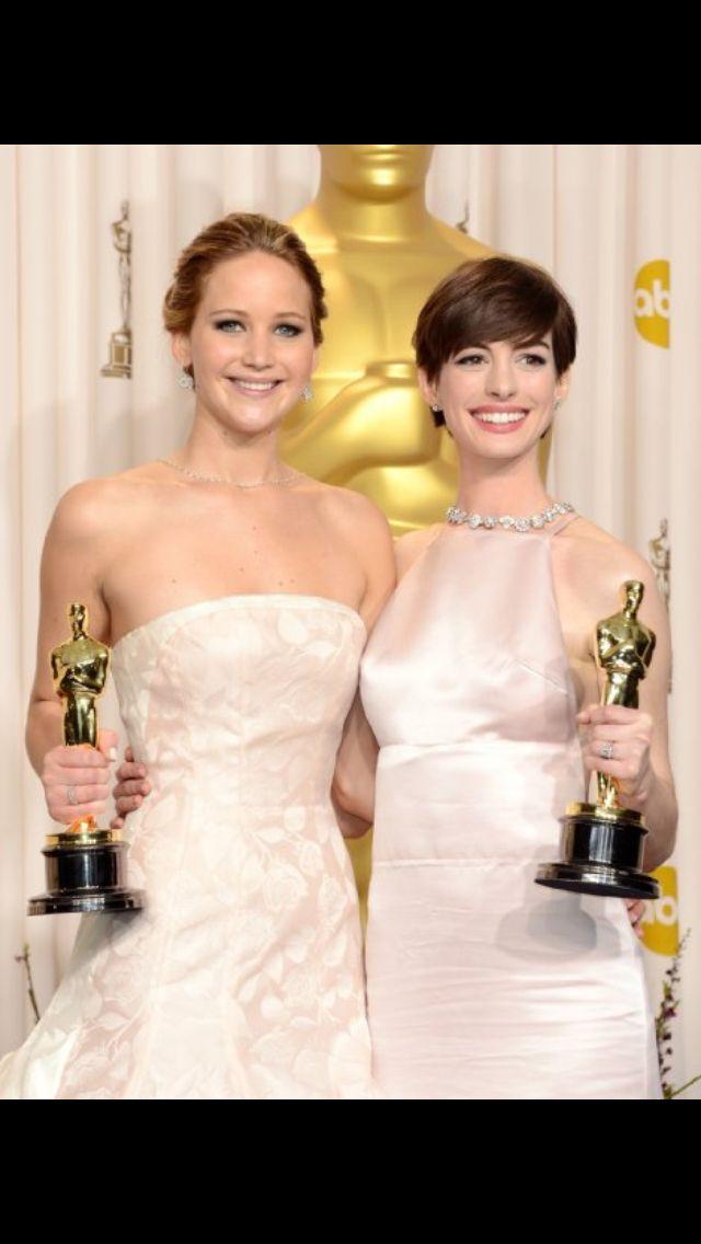 2 awesome people | Best oscar dresses, Oscar dresses ...