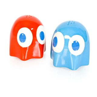 Pac-man salt and pepper shakers
