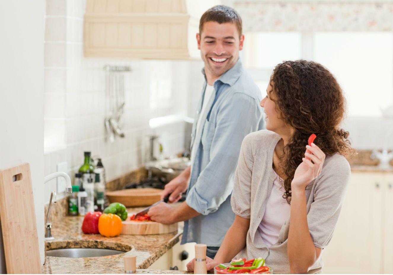 Nutricionista ensina casal a emagrecer junto