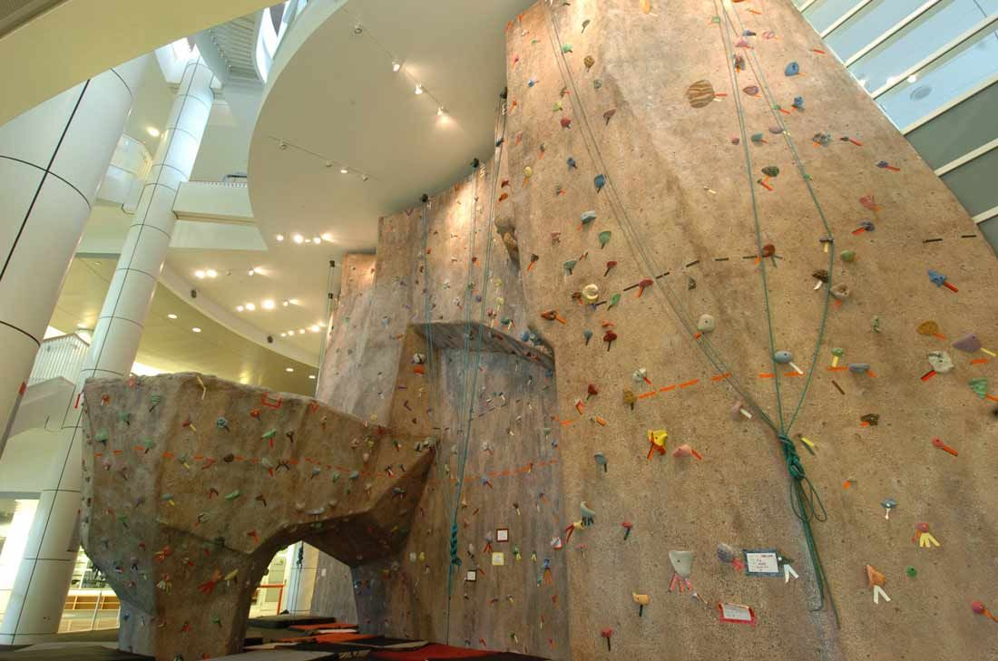 amusing climbing wall design in school interior of atrractive home - Home Climbing Wall Designs