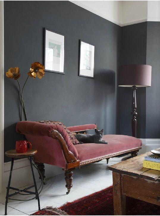 Este gato también tiene una casa muy elegante. Fotografía James Balston for HeartHome   http://www.jamesbalston.com/ sofa#alfombra#lámpara