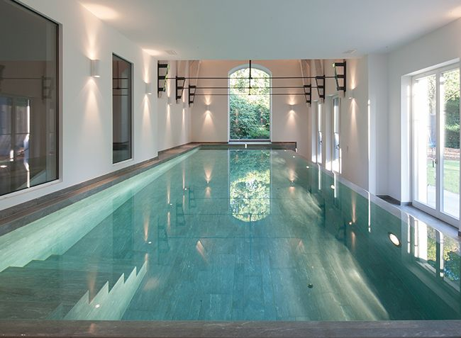Piscines int rieures photos de superbes piscines en - Maison piscine interieure ...