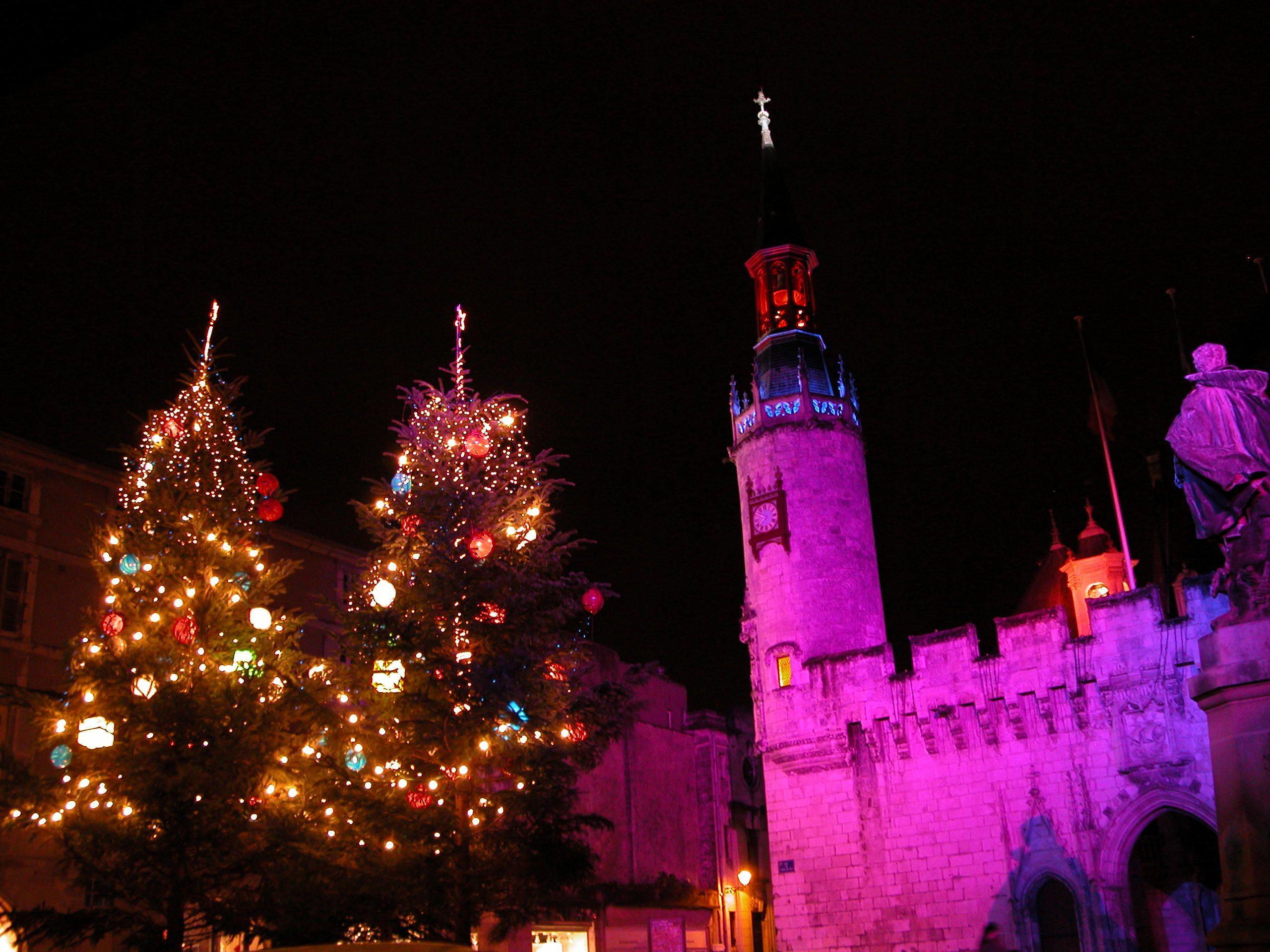 Marché De Noel En Charente Illuminations de Noël à l'Hôtel de Ville de La Rochelle   Marché