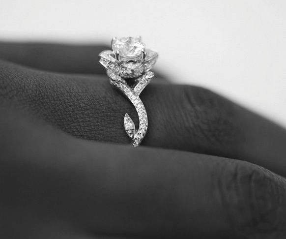 Beautiful I would definitely wear this Rose Engagement Ring