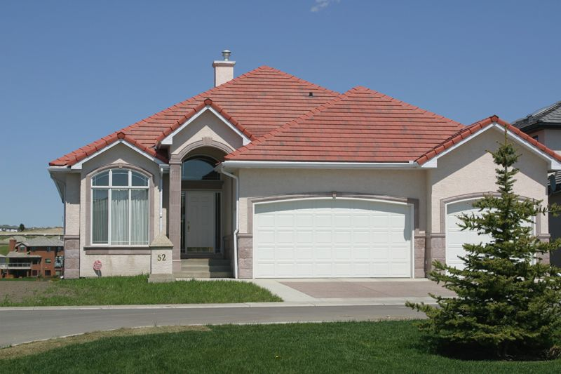 Color Scheme Enhancing Red Tile Roof House Paint