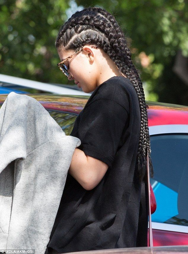 Bye bye bob! Kylie Jenner ditches short hair for long cornrows - Kylie Jenner Style