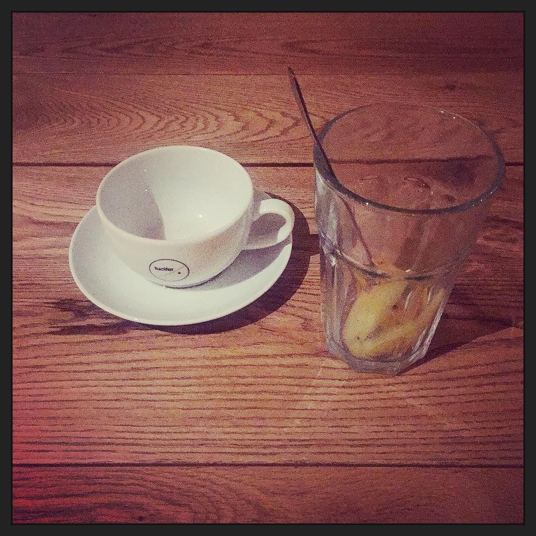 Koffie met @lotte_h3ndriks... over #zelfsturendeteams #groepscoaching en @kentalis. #gezellig #leuk #leerzaam! :-)