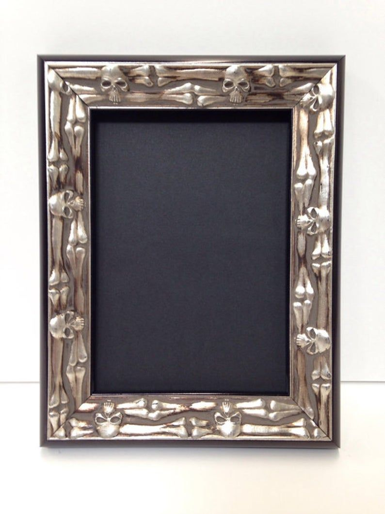 Skull Bones Picture Frame Silver And Black 3x5 4x6 5x7 Etsy In 2020 Custom Size Frames Gold Picture Frames Unique Picture Frames