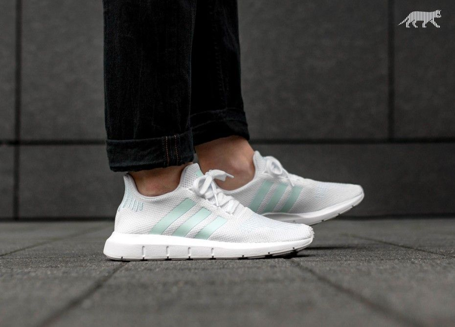 adidas Swift Run W (Ftwr White   Grey One   Ice Mint)  b8ec7872c