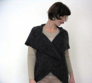 Pletení v kavárně: CO PRÁVĚ PLETEME? háčkovaná kolová vesta