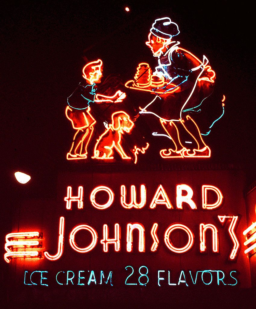 Howard Johnson S Ice Cream In Times Square June 8 1985 Neon Signs Vintage Neon Signs Cool Neon Signs