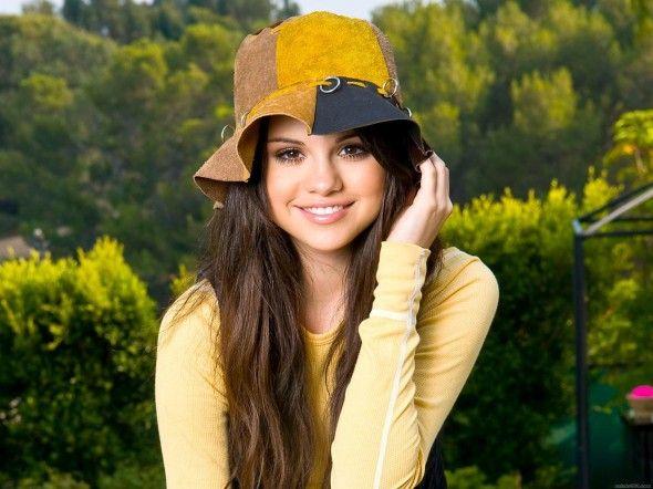 Selena Gomez Wallpaper HD Desktop