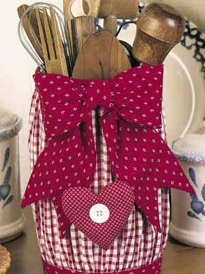 Country Craft Ideas For Kitchen Decorating With Fabrics