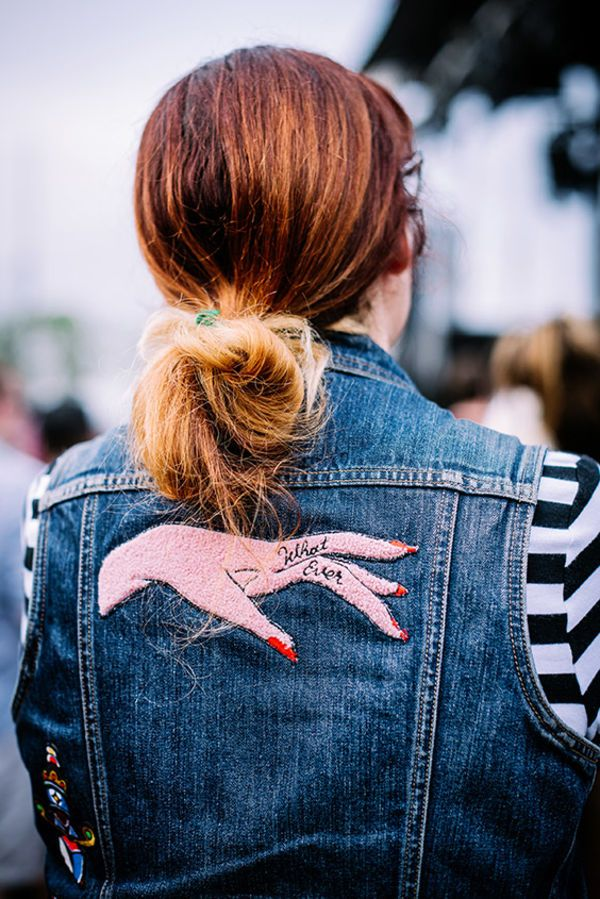denim, street style, bordado, colete jeans, listras,