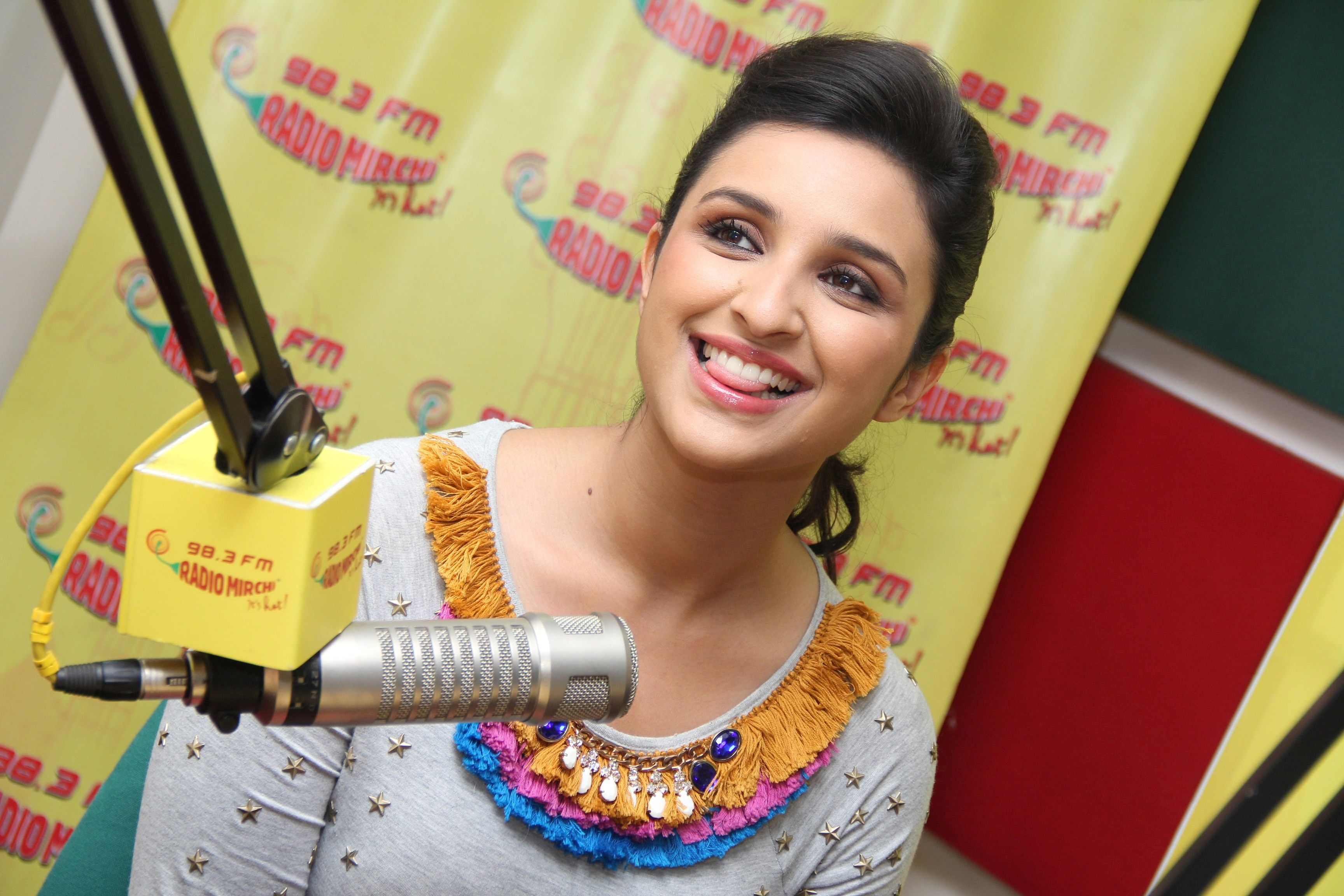 Famous Beautiful Actress Parineeti Chopra At Radio Mirchi