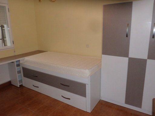 Habitacion juvenil echo de muebles usados transformados for Crear muebles juveniles