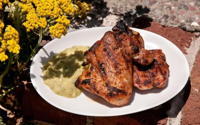 Chipotle Grilled Chicken Thighs with Spicy Tomatillo Sauce - Best BBQ Chicken Recipes for Grilling https://t.co/MrtuDFyek5 http://ift.tt/2pVkX3Y