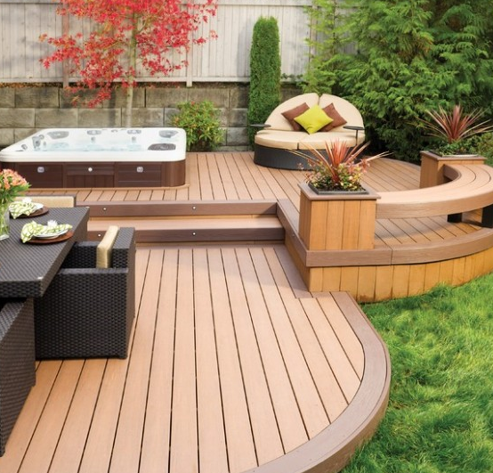 Short Deck With Integrated Hot Tub