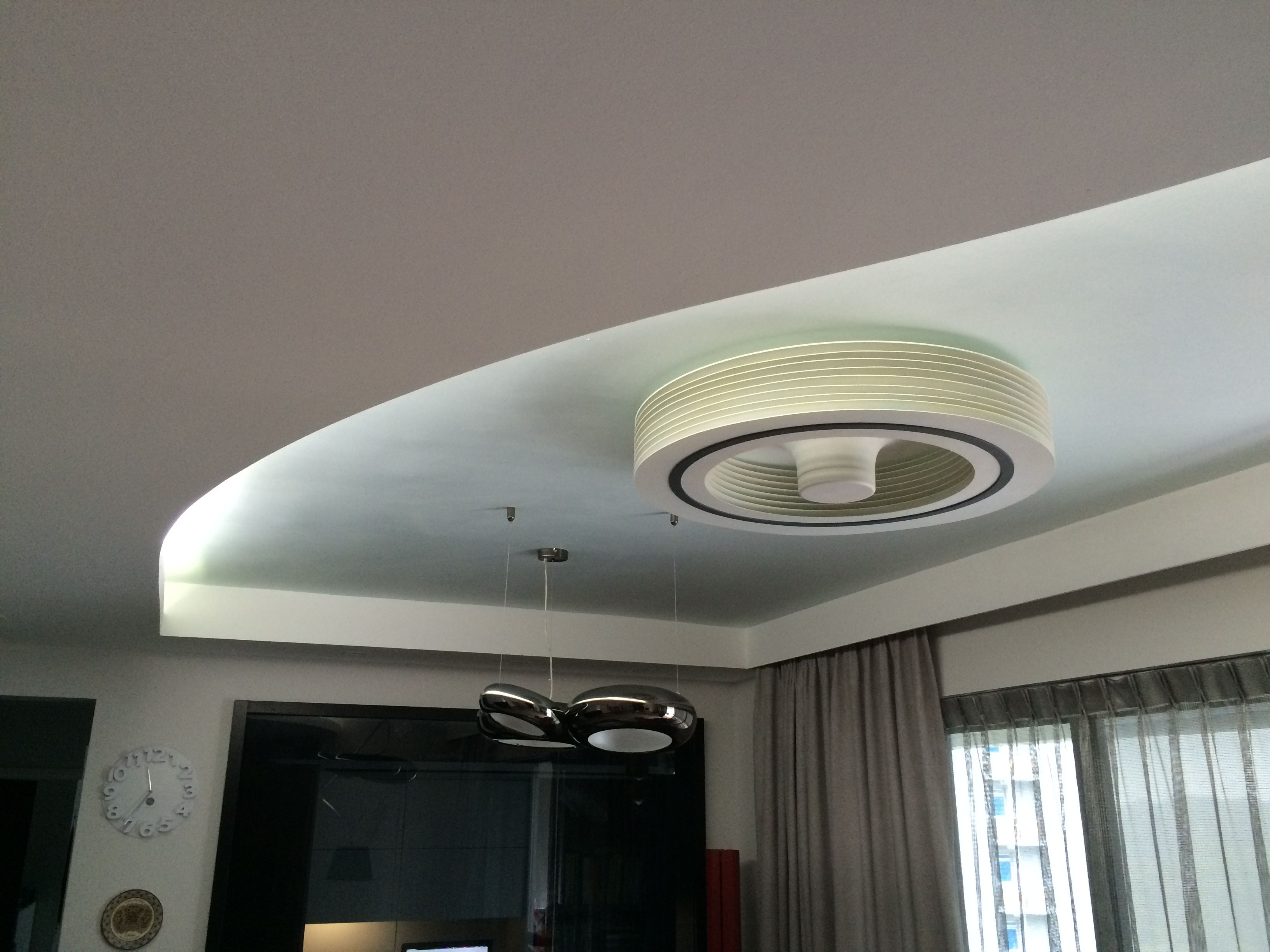 Bladeless Exhale Fan Ceiling Creates Total Room