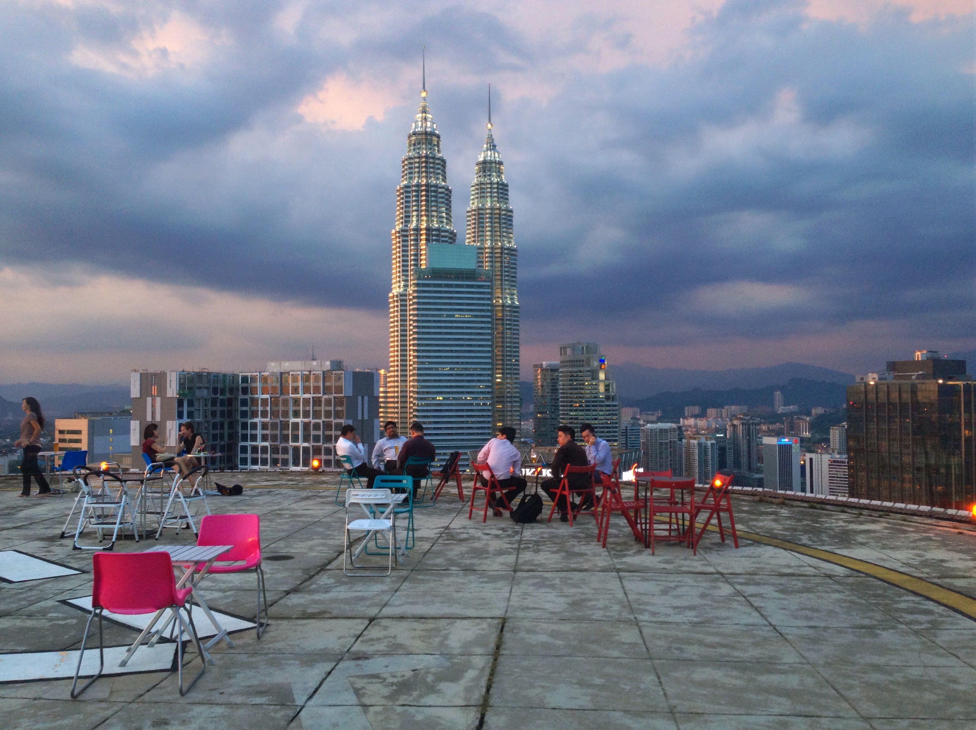 Rooftop Zwembad Kuala Lumpur Kl Helipad Lounge Bar Rooftop Places To Visit Again