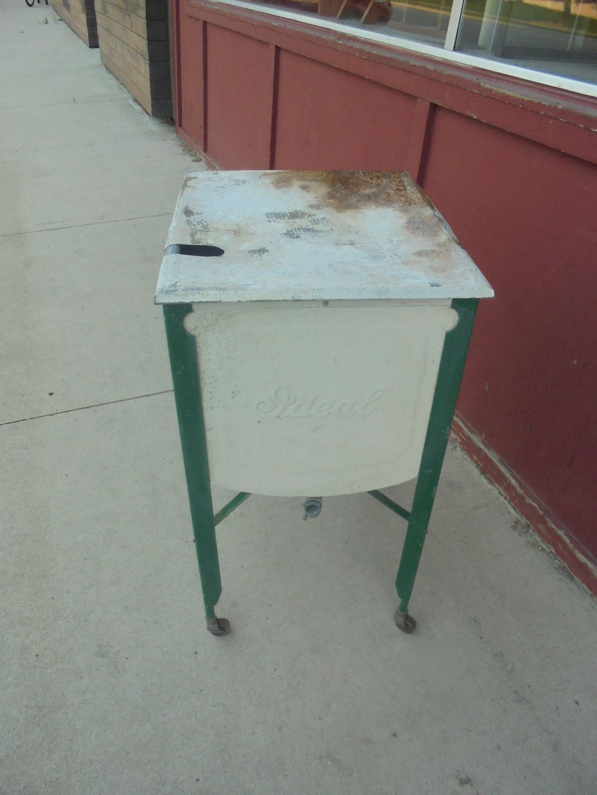 Vintage Ideal Square Wash Tub On Stand With Metal Lid Cooler Flower Decor Wash Tubs Metal Wash Tub Flower Decorations