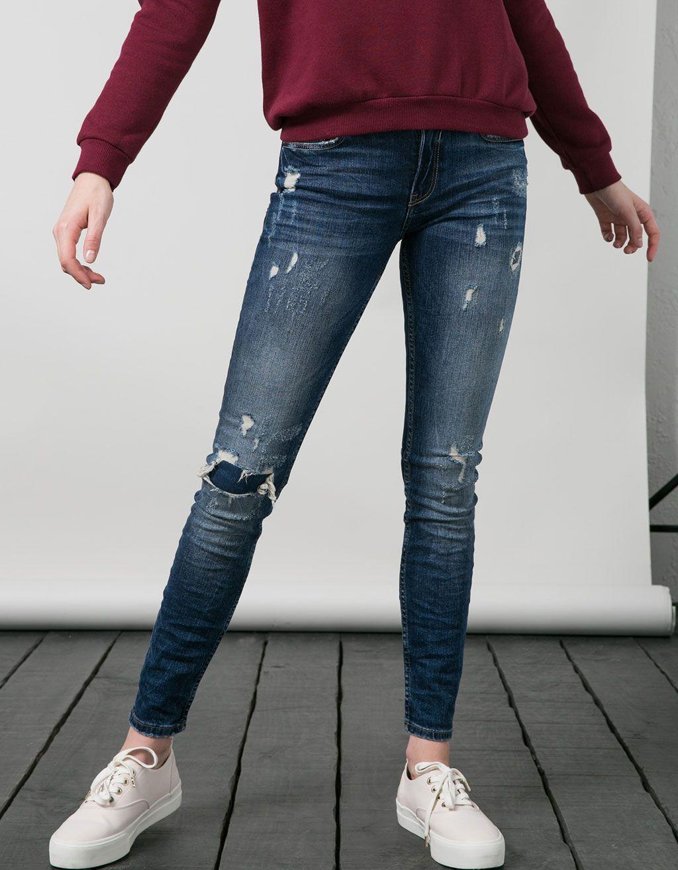 54cd31db65 Jeans BSK pitillo rotos y parches - BSK - Bershka España