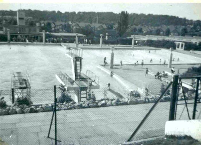 Larkswood Pool Chingford Great Memories Of This Place Chingford E4 Pinterest